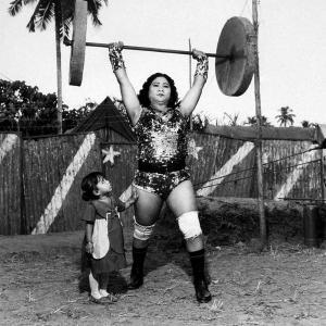 MEM_Hindistan Sirkleri - Shavanaas Begum 3 yaşındaki kızı ile, Parveen, Büyük İkizler Sirki, 1989